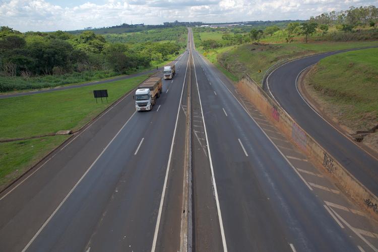 Demanda do transporte rodoviário de carga começa a se estabilizar